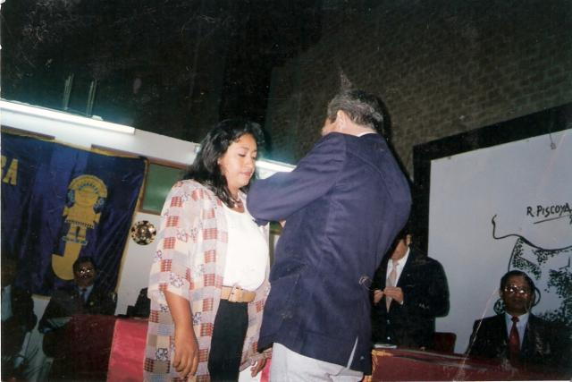 Recibiendo Medalla de la Cultura